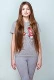 Πορτρέτο ενός όμορφου χαμογελώντας έφηβη Στοκ Φωτογραφίες