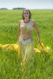 Πορτρέτο ενός όμορφου χορευτή κοιλιών Στοκ Εικόνα