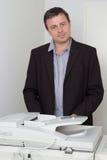 Πορτρέτο επιχειρηματιών στη μηχανή αντιγράφων Στοκ Εικόνα