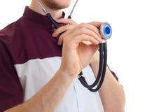 Πορτρέτο κινηματογραφήσεων σε πρώτο πλάνο ενός γιατρού με το στηθοσκόπιο στοκ φωτογραφία με δικαίωμα ελεύθερης χρήσης