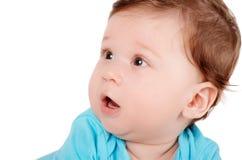 Πορτρέτο κινηματογραφήσεων σε πρώτο πλάνο ενός χαριτωμένου χαμογελώντας μωρού Στοκ Φωτογραφίες
