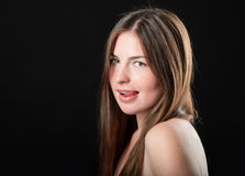 Πορτρέτο κινηματογραφήσεων σε πρώτο πλάνο να βάλει στον πειρασμό το κορίτσι Στοκ Φωτογραφίες