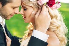 Πορτρέτο κινηματογραφήσεων σε πρώτο πλάνο του ζεύγους γάμου Στοκ Εικόνες