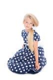 πορτρέτο κοριτσιών που κά&the Στοκ φωτογραφίες με δικαίωμα ελεύθερης χρήσης