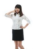 Πορτρέτο μιας βέβαιας νέας γυναίκας με την κλήση Στοκ εικόνες με δικαίωμα ελεύθερης χρήσης