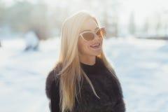 Πορτρέτο μιας γοητευτικής επιχειρησιακής γυναίκας Στοκ Φωτογραφία