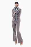 Πορτρέτο μιας επιχειρηματία που χρησιμοποιεί megaphone Στοκ εικόνες με δικαίωμα ελεύθερης χρήσης