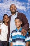 Πορτρέτο μιας ευτυχούς οικογένειας αφροαμερικάνων Στοκ εικόνες με δικαίωμα ελεύθερης χρήσης
