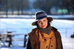 Πορτρέτο μιας νέας γυναίκας με το καπέλο Στοκ εικόνα με δικαίωμα ελεύθερης χρήσης