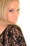 Πορτρέτο μιας προκλητικής ξανθής γυναίκας Στοκ Φωτογραφία