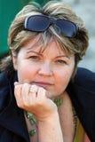 Πορτρέτο μιας σκεπτικής γυναίκας Στοκ Εικόνα