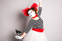 Πορτρέτο μιας χορεύοντας γυναίκας mime, ημέρα ανόητων Απριλίου Στοκ Φωτογραφία