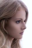 Πορτρέτο μιας όμορφης γυναίκας, αριστερό σχεδιάγραμμα  εκλεκτής ποιότητας ύφος Στοκ Εικόνες