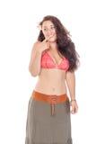 Πορτρέτο μιας όμορφης νέας γυναίκας στο φόρεμα παραλιών στοκ εικόνα με δικαίωμα ελεύθερης χρήσης