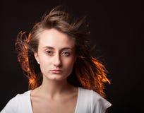 Πορτρέτο μιας όμορφης νέας γυναίκας Στοκ Εικόνες