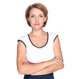 Πορτρέτο μιας όμορφης νέας ενήλικης λευκιάς σοβαρής γυναίκας Στοκ εικόνα με δικαίωμα ελεύθερης χρήσης
