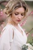 Πορτρέτο μιας όμορφης ξανθής νύφης Στοκ Εικόνες