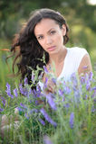 Πορτρέτο μιας όμορφης προκλητικής γυναίκας στην παραλία Στοκ εικόνα με δικαίωμα ελεύθερης χρήσης