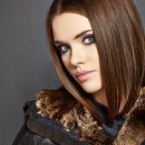 πορτρέτο μόδας Γούνα, δέρμα 15 woman young Στοκ εικόνα με δικαίωμα ελεύθερης χρήσης