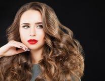 Πορτρέτο μόδας ομορφιάς του χαριτωμένου κοριτσιού με Makeup Στοκ εικόνα με δικαίωμα ελεύθερης χρήσης