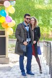 Πορτρέτο να αγαπήσει το ζεύγος υπαίθρια Στοκ εικόνα με δικαίωμα ελεύθερης χρήσης