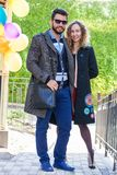 Πορτρέτο να αγαπήσει το ζεύγος υπαίθρια Στοκ φωτογραφίες με δικαίωμα ελεύθερης χρήσης