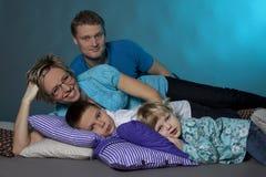 πορτρέτο οικογενειακών μαξιλαριών Στοκ φωτογραφία με δικαίωμα ελεύθερης χρήσης