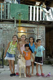 Πορτρέτο ομάδας των παιδιών με το κατοικίδιο ζώο, Αργεντινή Στοκ εικόνες με δικαίωμα ελεύθερης χρήσης