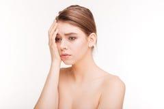 Πορτρέτο ομορφιάς μιας λυπημένης γυναίκας στοκ εικόνες