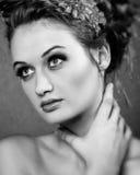 Πορτρέτο ομορφιάς Τέλεια φρέσκια κινηματογράφηση σε πρώτο πλάνο δερμάτων Καθαρό πρότυπο ομορφιάς Νεολαία και έννοια φροντίδας δέρ Στοκ φωτογραφίες με δικαίωμα ελεύθερης χρήσης