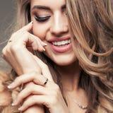 Πορτρέτο ομορφιάς του ξανθού κοριτσιού στοκ φωτογραφία με δικαίωμα ελεύθερης χρήσης