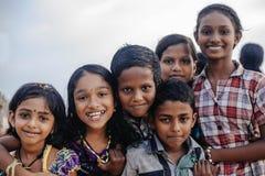 Πορτρέτο που χαμογελά τα ινδικά παιδιά σε Varkala κατά τη διάρκεια της τελετής puja Στοκ Εικόνες