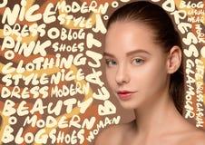 Πορτρέτο προσώπου γυναικών ομορφιάς με το τέλειο δέρμα στοκ εικόνες