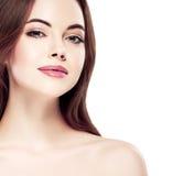 Πορτρέτο προσώπου γυναικών ομορφιάς Beautiful spa πρότυπο κορίτσι με το τέλειο φρέσκο καθαρό δέρμα Νεολαία και έννοια φροντίδας δ Στοκ φωτογραφίες με δικαίωμα ελεύθερης χρήσης