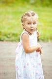 Πορτρέτο συναισθηματικά του μικρού κοριτσιού Στοκ φωτογραφία με δικαίωμα ελεύθερης χρήσης