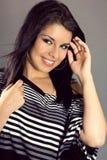 Πορτρέτο της αρκετά νέας γυναίκας με τα καλά χείλια Στοκ φωτογραφία με δικαίωμα ελεύθερης χρήσης
