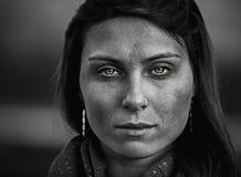Πορτρέτο της αρκετά νέας γυναίκας Στοκ Φωτογραφίες