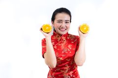 Πορτρέτο της ασιατικής γυναίκας στο μακρύ φόρεμα παραδοσιακού κινέζικου, cheon Στοκ εικόνα με δικαίωμα ελεύθερης χρήσης