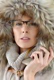 Πορτρέτο της γυναίκας με την κουκούλα γουνών Στοκ Εικόνα