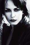 Πορτρέτο της γυναίκας στο σακάκι δέρματος Στοκ φωτογραφία με δικαίωμα ελεύθερης χρήσης