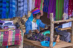 Πορτρέτο της γυναίκας φυλών Kayan στο Μιανμάρ Στοκ Εικόνα
