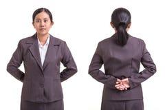 Πορτρέτο της επιχειρηματία στο γκρίζο κοστούμι που απομονώνεται στο λευκό στοκ φωτογραφία με δικαίωμα ελεύθερης χρήσης