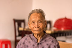 Πορτρέτο της ηλικιωμένης κινεζικής γυναίκας Στοκ Φωτογραφίες