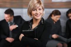 Πορτρέτο της μέσος-ενήλικης επιχειρηματία στοκ εικόνα με δικαίωμα ελεύθερης χρήσης