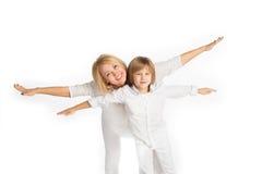 Πορτρέτο της μητέρας και του γιου Απομονωμένος στο λευκό Στοκ Εικόνα