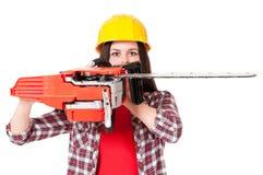 Κορίτσι με το αλυσιδοπρίονο Στοκ εικόνα με δικαίωμα ελεύθερης χρήσης