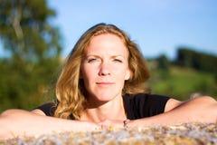 Πορτρέτο της νέας γυναίκας Στοκ Φωτογραφίες