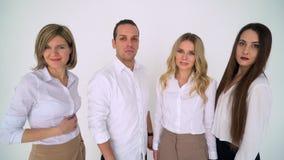 Πορτρέτο της νέας διαφορετικής επιχειρησιακής ομάδας Πορτρέτο της νέας επιχειρησιακής ομάδας στην εργασία επιχειρησιακή φωτογραφ& απόθεμα βίντεο