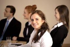Πορτρέτο της νέας επιχειρησιακής γυναίκας στοκ εικόνα με δικαίωμα ελεύθερης χρήσης