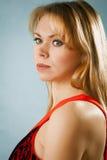 Πορτρέτο της νέας προκλητικής γυναίκας Στοκ φωτογραφία με δικαίωμα ελεύθερης χρήσης